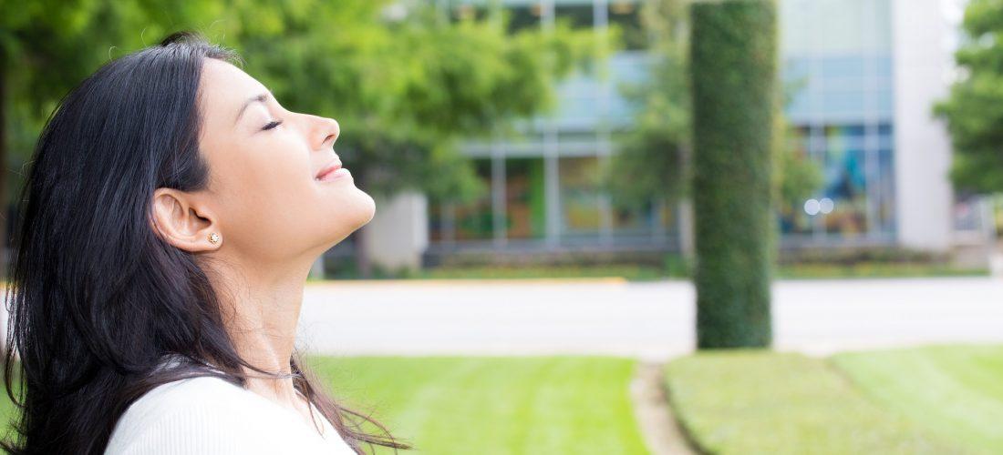 Czy zapach ma znaczenie? Oczywiście! Firmy, które korzystają z aromamarketingu zyskują!