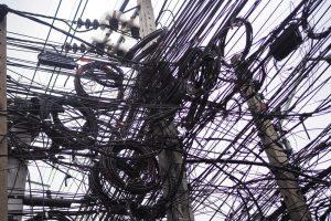 Czym jest asymetria napięcia? Jaki ma wpływ na sieć?