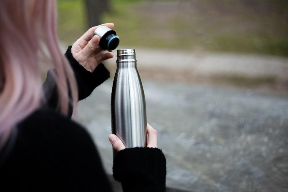 Butelki termiczne, czyli niezbędne akcesoria na zimę