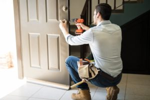 Niezbędnik złotej rączki – jakich akcesoriów potrzebujesz do wykonania prostych napraw w domu?